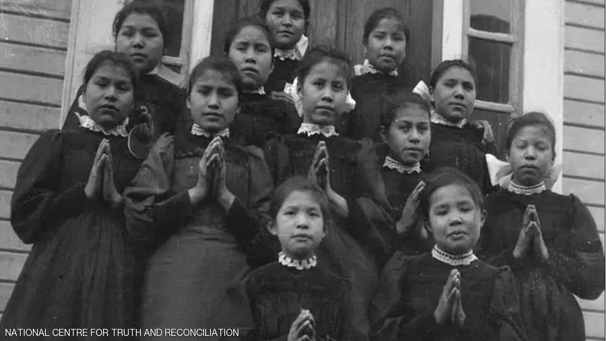 كندا.. مقبرة جماعية للأطفال تذكر باضطهاد السكان الأصليين