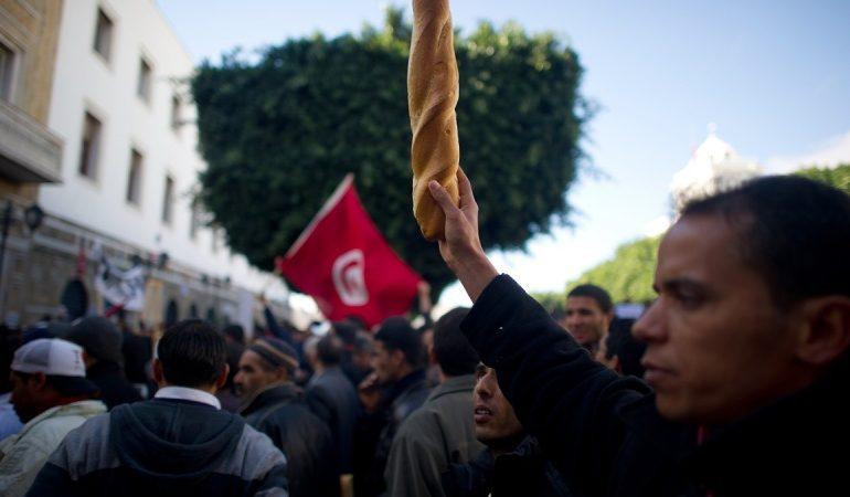 تونس في مواجهة دوامة الديون العمومية