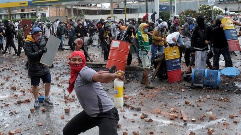 كولومبيا.. مقتل 10 أشخاص في تظاهرات مناهضة للحكومة