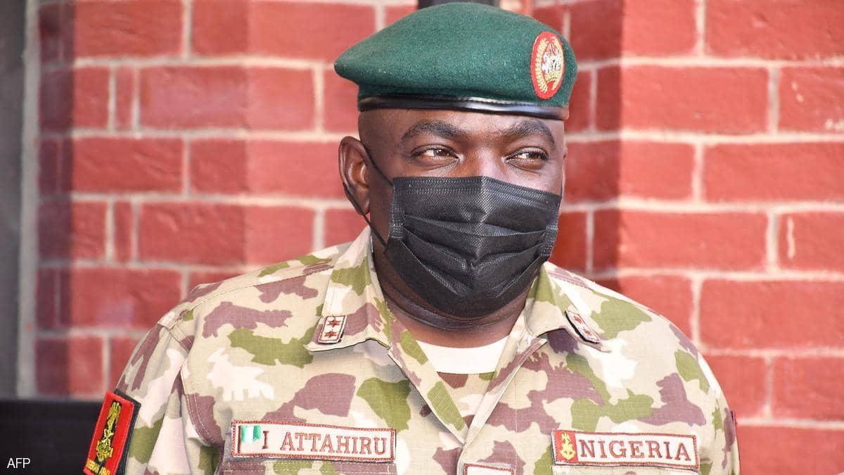 مصرع قائد الجيش النيجيري في حادث تحطم طائرة