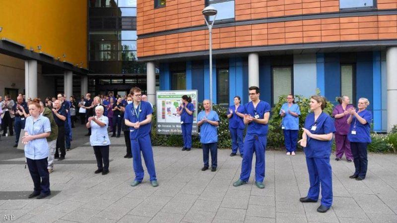 """بريطانيا.. آلاف الأطباء يخططون لترك العمل بسبب """"ضغط الوباء"""""""