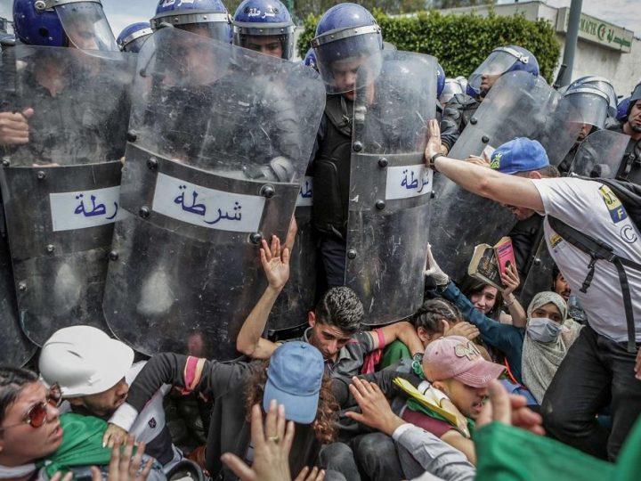 الجزائر :إجهاض مظاهرات الحراك الشعبي يثير مخاوف من انزلاقات مرتقبة … !!