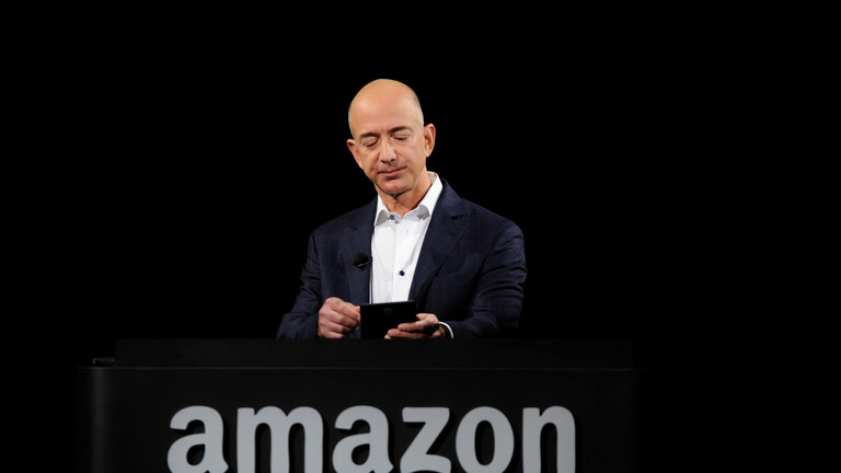 """جيف بيزوس يتنحى رسميا عن منصب الرئيس التنفيذي لـ""""أمازون"""""""