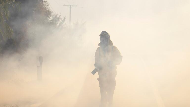 إخلاء ألف شخص بسبب الحرائق في لوس أنجلوس