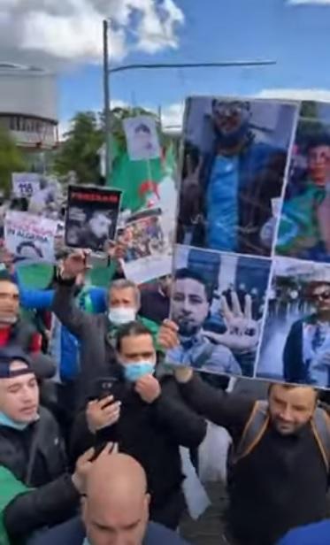 """انتفاضة الجالية الجزائرية في ستراسبورغ """" كفى من دعم العصابة"""""""
