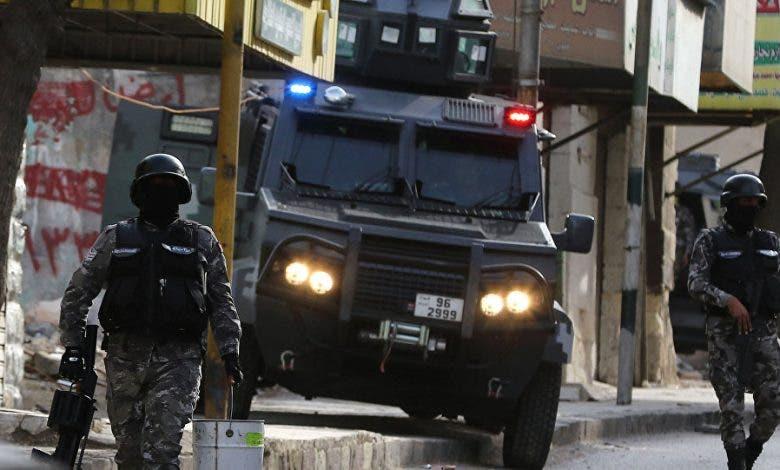 الأردن.. إصابة  أفراد أمن في هجمات مسلحة استهدفت الشرطة