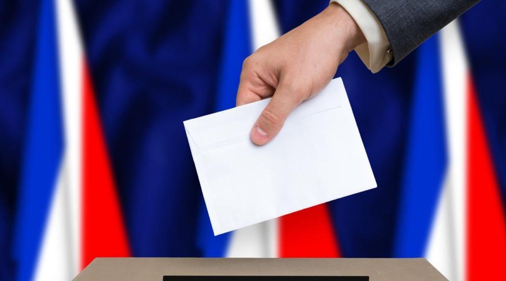 انتخابات الجهات الفرنسية.. اليمين واليسار يؤكدان عودتهما وأعينهما على رئاسيات 2022