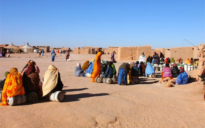 استمرار محنة ساكنة تندوف ومظاهر العنف ضد المهاجرين.. الجزائر تقف أمام مسؤولياتها