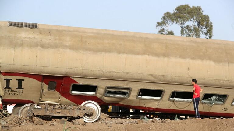مصر..إصابة 8 أشخاص جراء اصطدام جرار بقطار