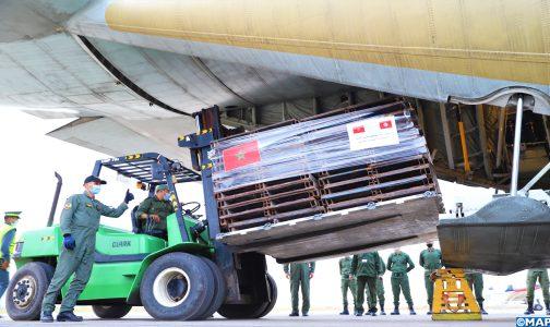 وصول الدفعة الأولى من المساعدة الطبية العاجلة التي أمر عاهل المغرب بإرسالها إلى تونس