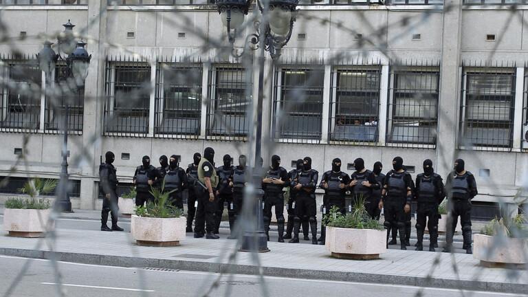 الرئيس التونسي يكلف مدير الأمن الرئاسي بالإشراف على وزارة الداخلية