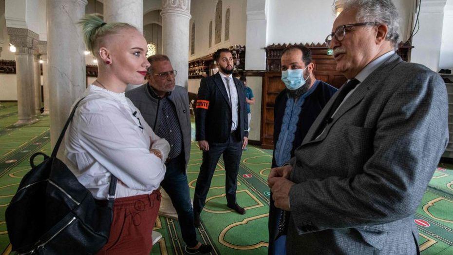 """رئيس مسجد باريس الجزائري """"شمس الدين حفيظ """" محامٍ """"البوليساريو""""  يستضيف المراهقة الفرنسية """"ميلا"""" مهاجمة الإسلام"""