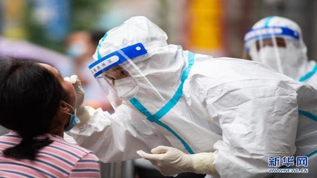الصين تعزز اختبارات الحمض النووي لرصد الإصابات بكوفيد-19