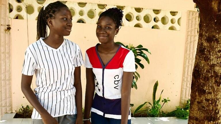 السنغال.. فتاتان توأمان تنجحان في شهادة البكالوريا بعمر الـ13 عاما