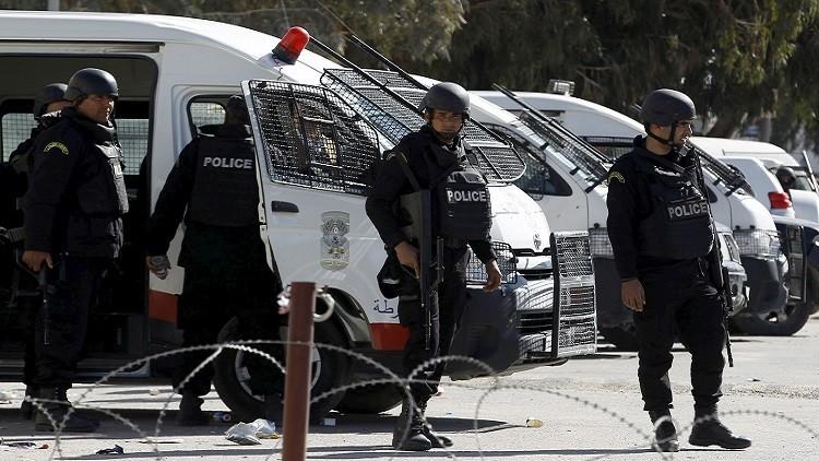 جريمة مروعة في تونس.. شبان يلقون بصديقهم من الطابق الخامس
