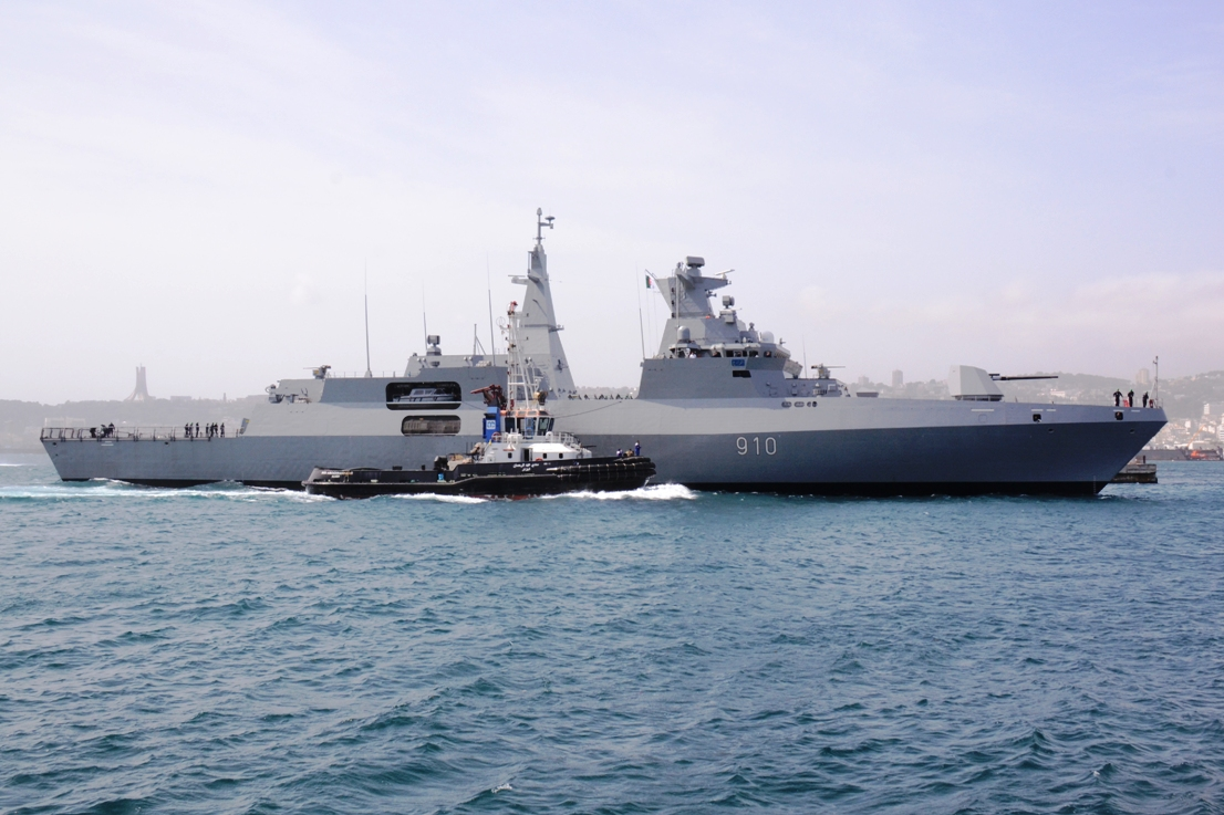 فضيحة عسكرية مُذِلَّة: فرقاطة جزائرية تنسحب من تمرين عسكري  مع فرنسا بسبب أعطاب فنية أدت إلى تعطل منصات  إطلاق الصواريخ