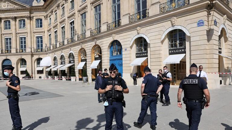 رجل إيطالي يضرب شرطيا كي يدخل السجن بدل الإقامة الجبرية مع حماته!