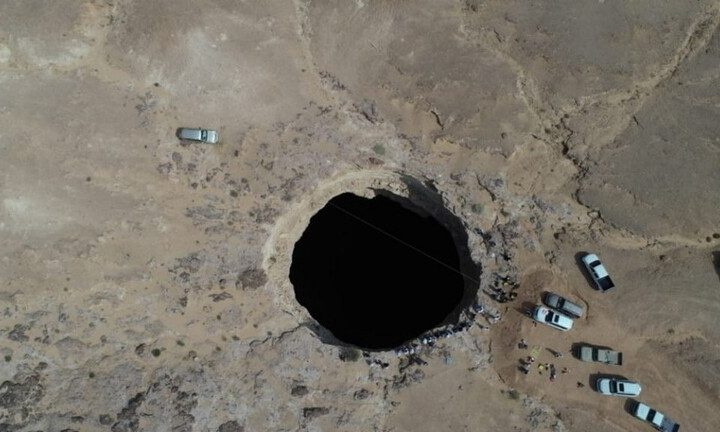 """فريق عماني يكشف خفايا """"بئر برهوت"""" في اليمن الذي حيكت حوله الخرافات منذ آلاف السنين"""