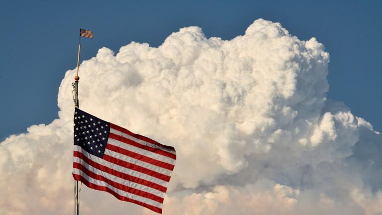 الولايات المتحدة تحذر من السفر لعدة دول وتخفف مستوى التحذير من السفر إلى الإمارات