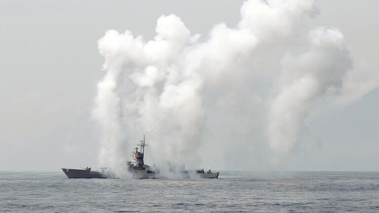 الصين تعلن عن مناورات بالذخيرة الحية قرب تايوان بعد مرور سفينة عسكرية أمريكية