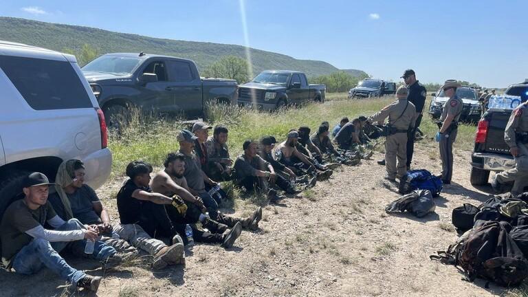 الولايات المتحدة.. العثور على مجموعة مهاجرين من المكسيك داخل عربة صهريج