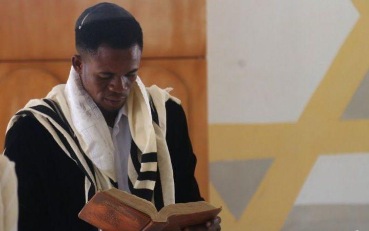 نيجيريون يعتبرون أنفسهم يهوداً، لكن إسرائيل لا تعترف بهم